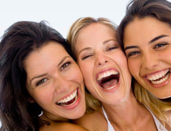 Alt+mujeressonriendo-diseño-digital-de-la-sonrisa
