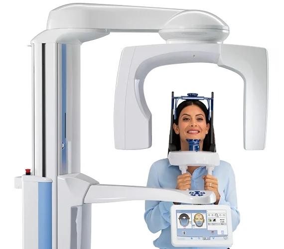 alt+paciente con escáner CBCT de haz cónica